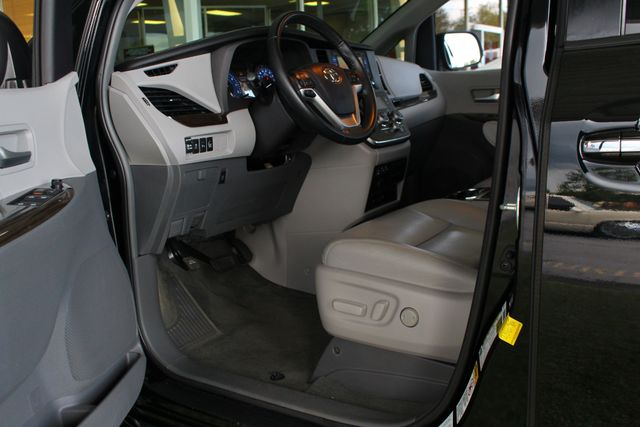 2015 Toyota Sienna XLE Premium AWD - NAVIGATION - REAR DVD - SUNROOF! Mooresville , NC 30