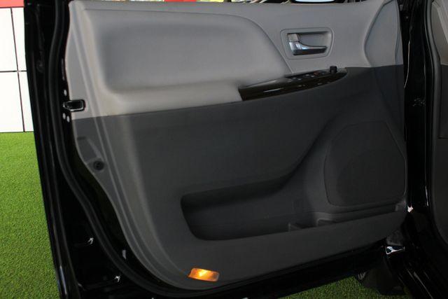 2015 Toyota Sienna XLE Premium AWD - NAVIGATION - REAR DVD - SUNROOF! Mooresville , NC 48