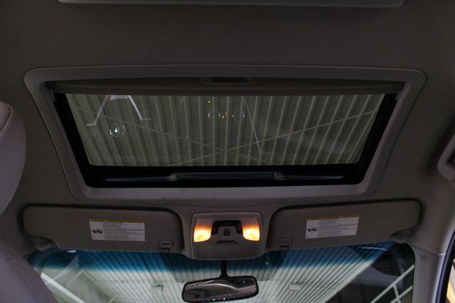 2015 Toyota Sienna XLE Premium AWD - NAVIGATION - REAR DVD - SUNROOF! Mooresville , NC 6