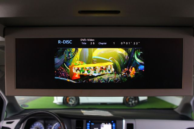 2015 Toyota Sienna XLE Premium AWD - NAVIGATION - REAR DVD - SUNROOF! Mooresville , NC 5