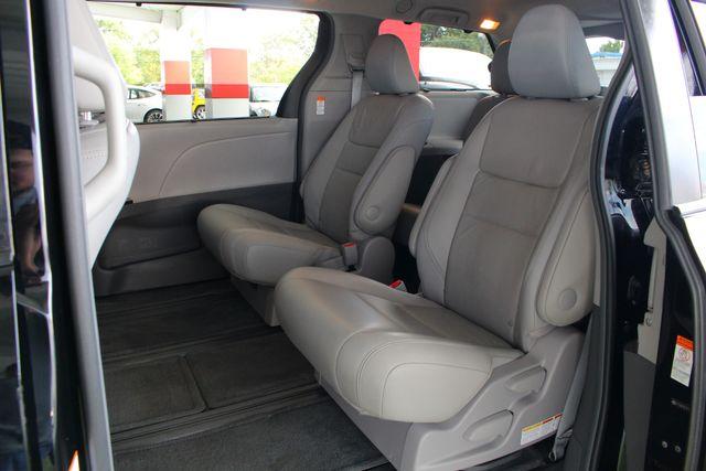 2015 Toyota Sienna XLE Premium AWD - NAVIGATION - REAR DVD - SUNROOF! Mooresville , NC 12
