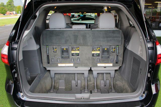 2015 Toyota Sienna XLE Premium AWD - NAVIGATION - REAR DVD - SUNROOF! Mooresville , NC 15