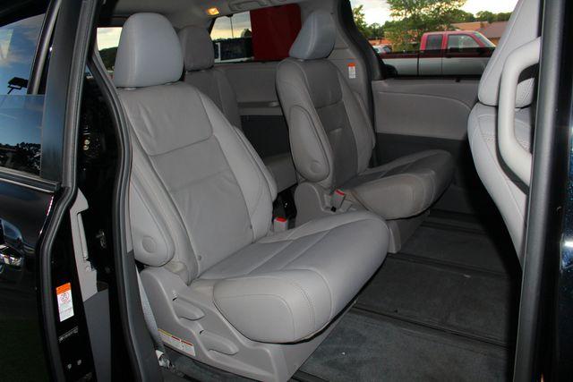 2015 Toyota Sienna XLE Premium AWD - NAVIGATION - REAR DVD - SUNROOF! Mooresville , NC 42