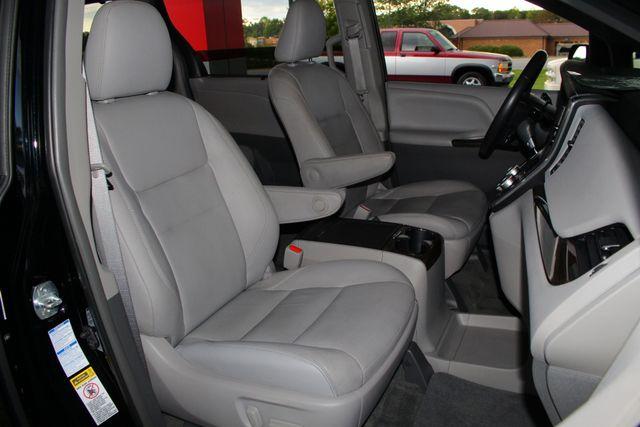 2015 Toyota Sienna XLE Premium AWD - NAVIGATION - REAR DVD - SUNROOF! Mooresville , NC 16