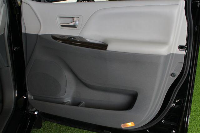 2015 Toyota Sienna XLE Premium AWD - NAVIGATION - REAR DVD - SUNROOF! Mooresville , NC 49