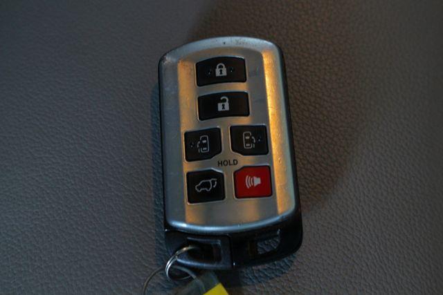 2015 Toyota Sienna XLE Premium AWD - NAVIGATION - REAR DVD - SUNROOF! Mooresville , NC 53