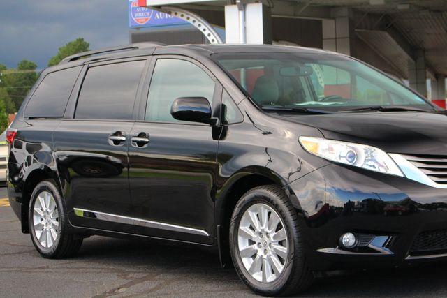 2015 Toyota Sienna XLE Premium AWD - NAVIGATION - REAR DVD - SUNROOF! Mooresville , NC 26