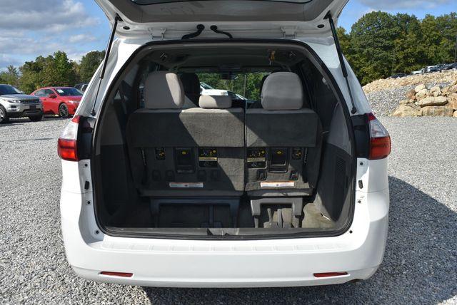 2015 Toyota Sienna L Naugatuck, Connecticut 12