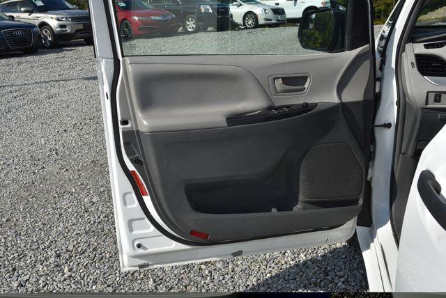 2015 Toyota Sienna L Naugatuck, Connecticut 17