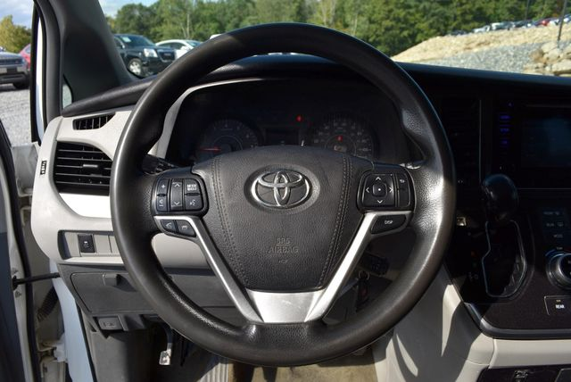 2015 Toyota Sienna L Naugatuck, Connecticut 18
