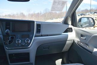 2015 Toyota Sienna LE Naugatuck, Connecticut 19