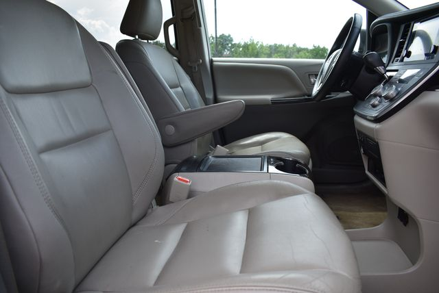 2015 Toyota Sienna XLE Naugatuck, Connecticut 9