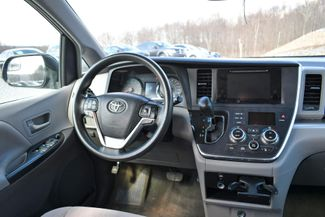 2015 Toyota Sienna LE Naugatuck, Connecticut 12