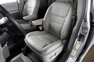 2015 Toyota Sienna XLE * Wheelchair Accessible Ramp * NAVI * Sunroof Plano, Texas 12