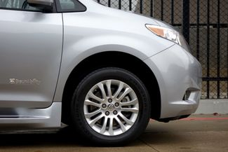 2015 Toyota Sienna XLE * Wheelchair Accessible Ramp * NAVI * Sunroof Plano, Texas 37