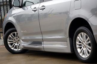 2015 Toyota Sienna XLE * Wheelchair Accessible Ramp * NAVI * Sunroof Plano, Texas 33