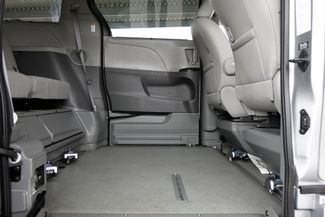 2015 Toyota Sienna XLE * Wheelchair Accessible Ramp * NAVI * Sunroof Plano, Texas 18