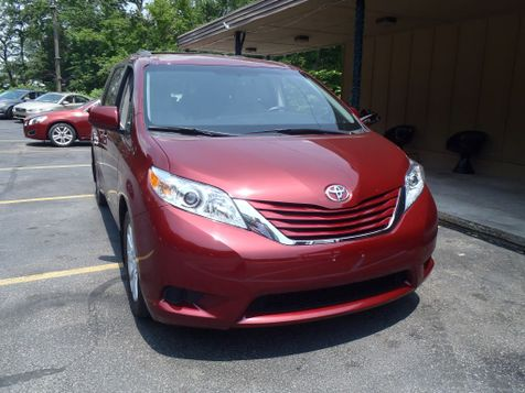 2015 Toyota Sienna LE in Shavertown