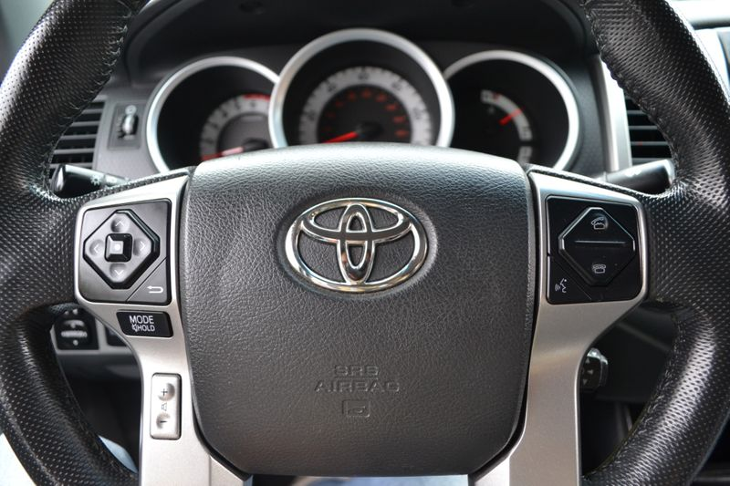 2015 Toyota Tacoma   city New  Father  Son Auto Corp   in Lynbrook, New