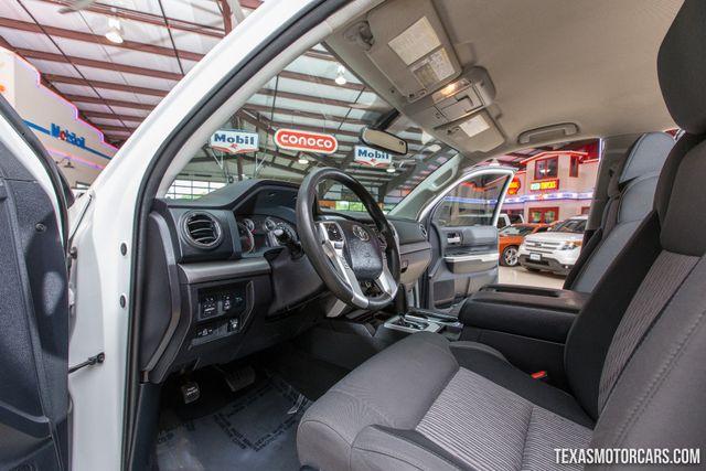 2015 Toyota Tundra SR5 4X4 in Addison Texas, 75001