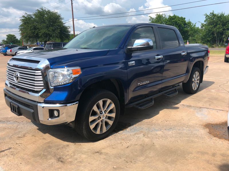 2015 Toyota Tundra LTD   Greenville, TX   Barrow Motors in Greenville TX