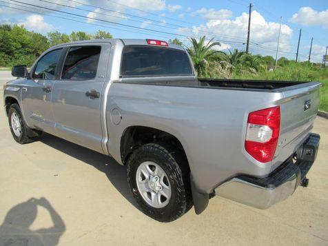 2015 Toyota Tundra Crew Max SR5 4WD | Houston, TX | American Auto Centers in Houston, TX
