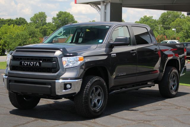 2015 Toyota Tundra SR5 CrewMax 4x4 TRD OFF ROAD - LIFTED-UPGRADE PKG! Mooresville , NC 23