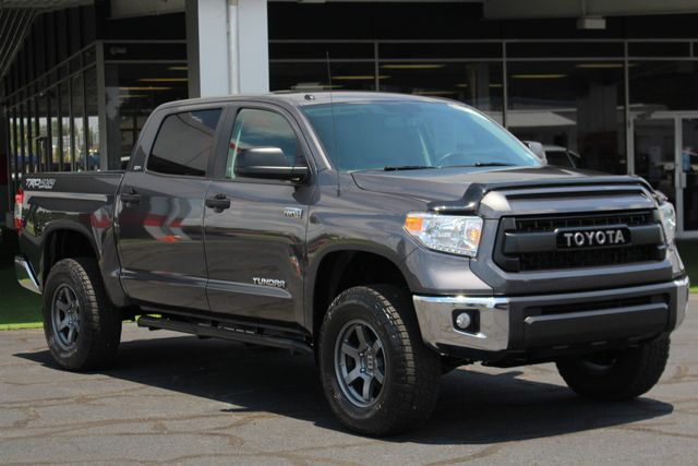 2015 Toyota Tundra SR5 CrewMax 4x4 TRD OFF ROAD - LIFTED-UPGRADE PKG! Mooresville , NC 22