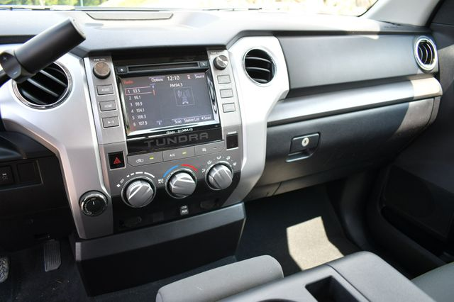 2015 Toyota Tundra SR5 4WD Naugatuck, Connecticut 18