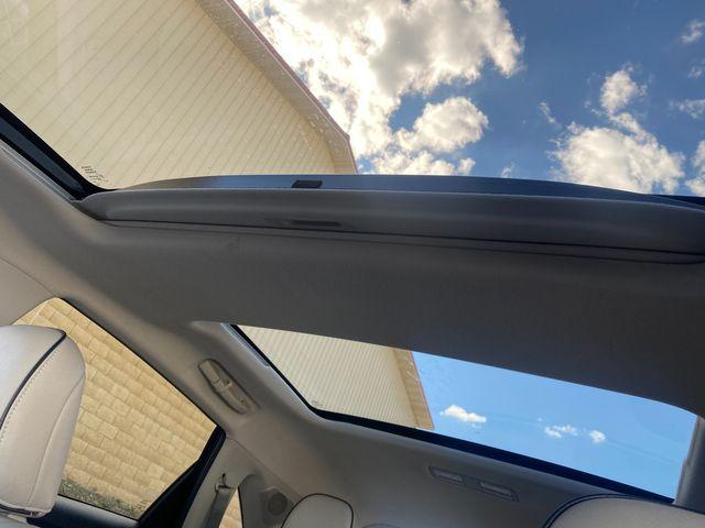 2015 Toyota Venza XLE Farmington, MN 10