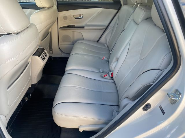 2015 Toyota Venza XLE Farmington, MN 6