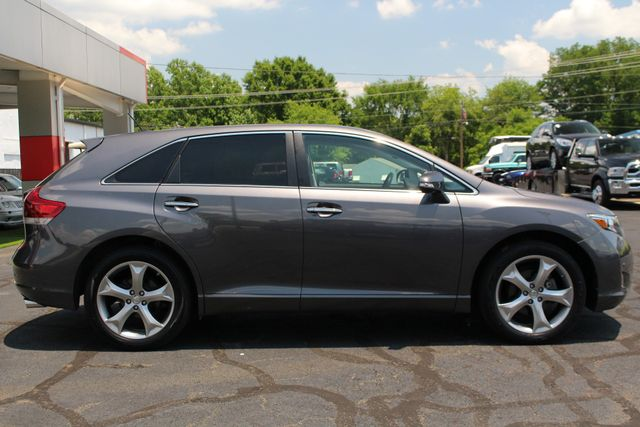 2015 Toyota Venza Limited AWD - NAVIGATION - SUNROOF! Mooresville , NC 16