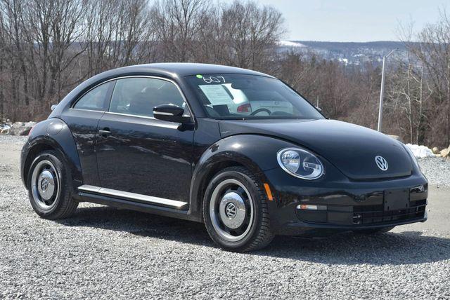 2015 Volkswagen Beetle Coupe 1.8T Classic Naugatuck, Connecticut