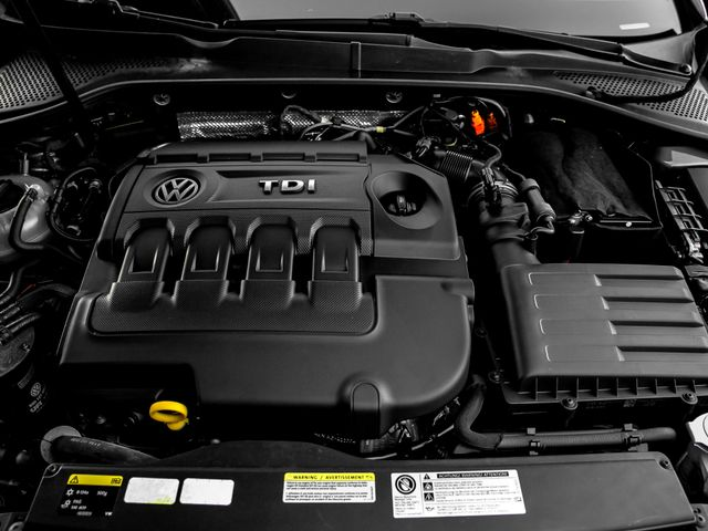 2015 Volkswagen Golf TDI SE Burbank, CA 23