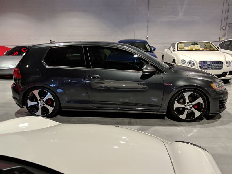 2015 Volkswagen Golf GTI SE  Lake Forest IL  Executive Motor Carz  in Lake Forest, IL