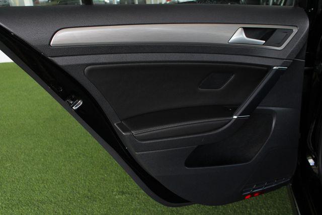 2015 Volkswagen Golf TDI S FWD - TURBO DIESEL - 6SP MANUAL! Mooresville , NC 38