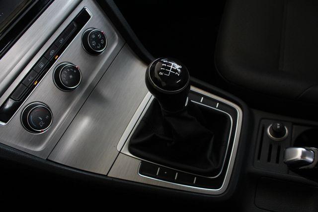 2015 Volkswagen Golf TDI S FWD - TURBO DIESEL - 6SP MANUAL! Mooresville , NC 33
