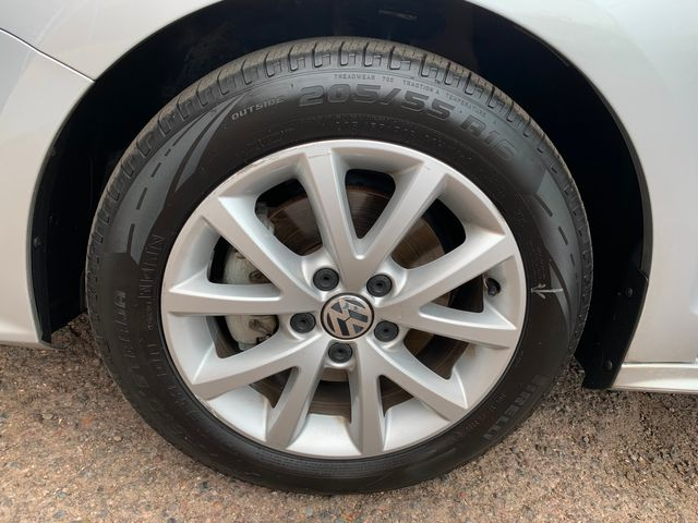 2015 Volkswagen Jetta 1.8T SE 3 MONTH3,000 MILE NATIONAL POWERTRAIN WARRANTY Mesa, Arizona 19
