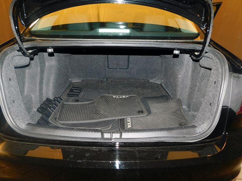 2015 Volkswagen Jetta 18T SE wConnectivityNavigation  city Ohio  North Coast Auto Mall of Cleveland  in Cleveland, Ohio