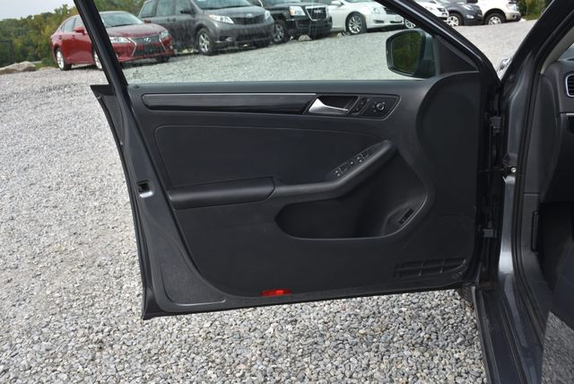 2015 Volkswagen Jetta 1.8T SEL Naugatuck, Connecticut 19
