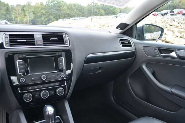 2015 Volkswagen Jetta 1.8T SEL Naugatuck, Connecticut 22