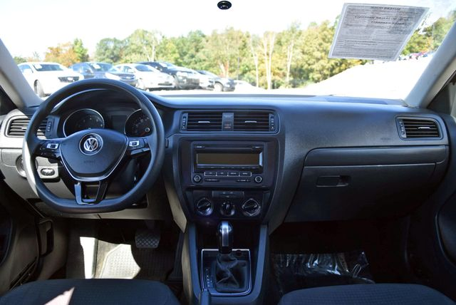 2015 Volkswagen Jetta 2.0L S Naugatuck, Connecticut 14