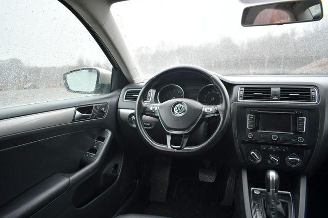 2015 Volkswagen Jetta 1.8T SE w/Connectivity/Navigation Naugatuck, Connecticut 15