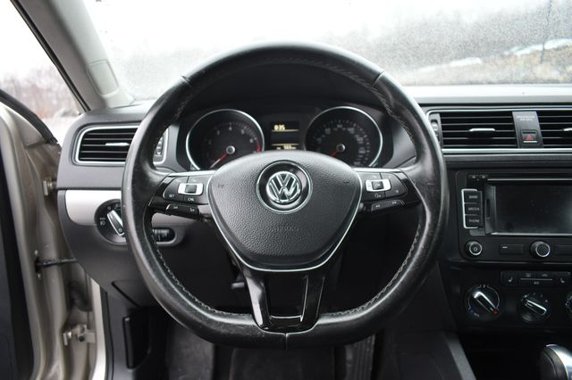 2015 Volkswagen Jetta 1.8T SE w/Connectivity/Navigation Naugatuck, Connecticut 21