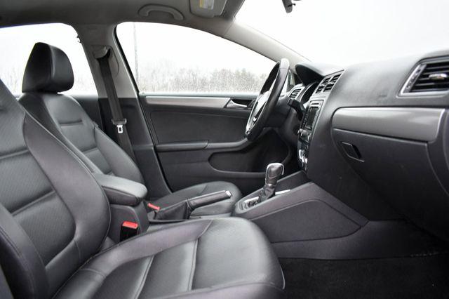 2015 Volkswagen Jetta 1.8T SE w/Connectivity/Navigation Naugatuck, Connecticut 9