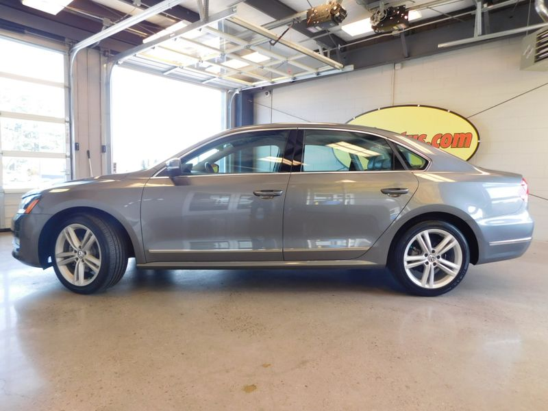 2015 Volkswagen Passat 20L TDI SE wSunroof 38 Nav  city TN  Doug Justus Auto Center Inc  in Airport Motor Mile ( Metro Knoxville ), TN