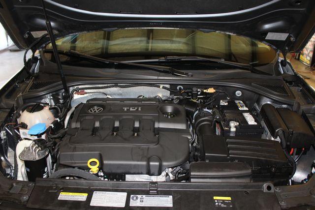 2015 Volkswagen Passat 2.0L TDI SE w/Sunroof & Nav Austin , Texas 18