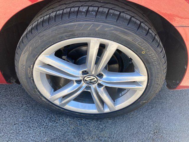 2015 Volkswagen Passat 2.0L TDI SE w/Sunroof & Nav in Boerne, Texas 78006