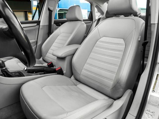 2015 Volkswagen Passat 1.8T SE w/Sunroof & Nav Burbank, CA 10