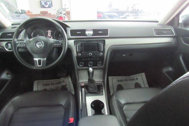 2015 Volkswagen Passat 1.8T SE w/Sunroof & Nav Chicago, Illinois 10